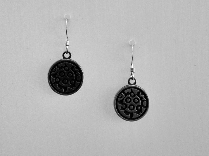 Spin earrings